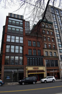 Emerson acquired another building on Boylston Street. This building has three apartment complexes and the Griddler's restaurant.  Photo: Rida Ashraf / Berkeley Beacon
