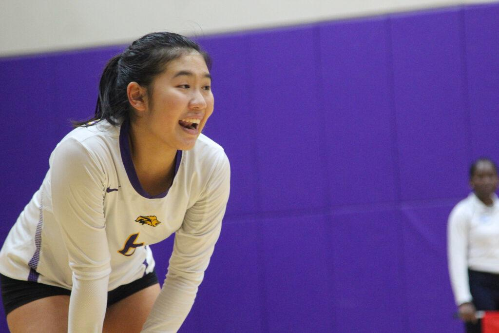 Lauren+Quan+places+second+amongst+all+freshman+in+the+NEWMAC+in+digs+with+190.+Photo+by+Anissa+Gardizy+%2F+Beacon+Staff