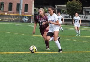 Women's soccer to face Springfield in NEWMAC semifinal