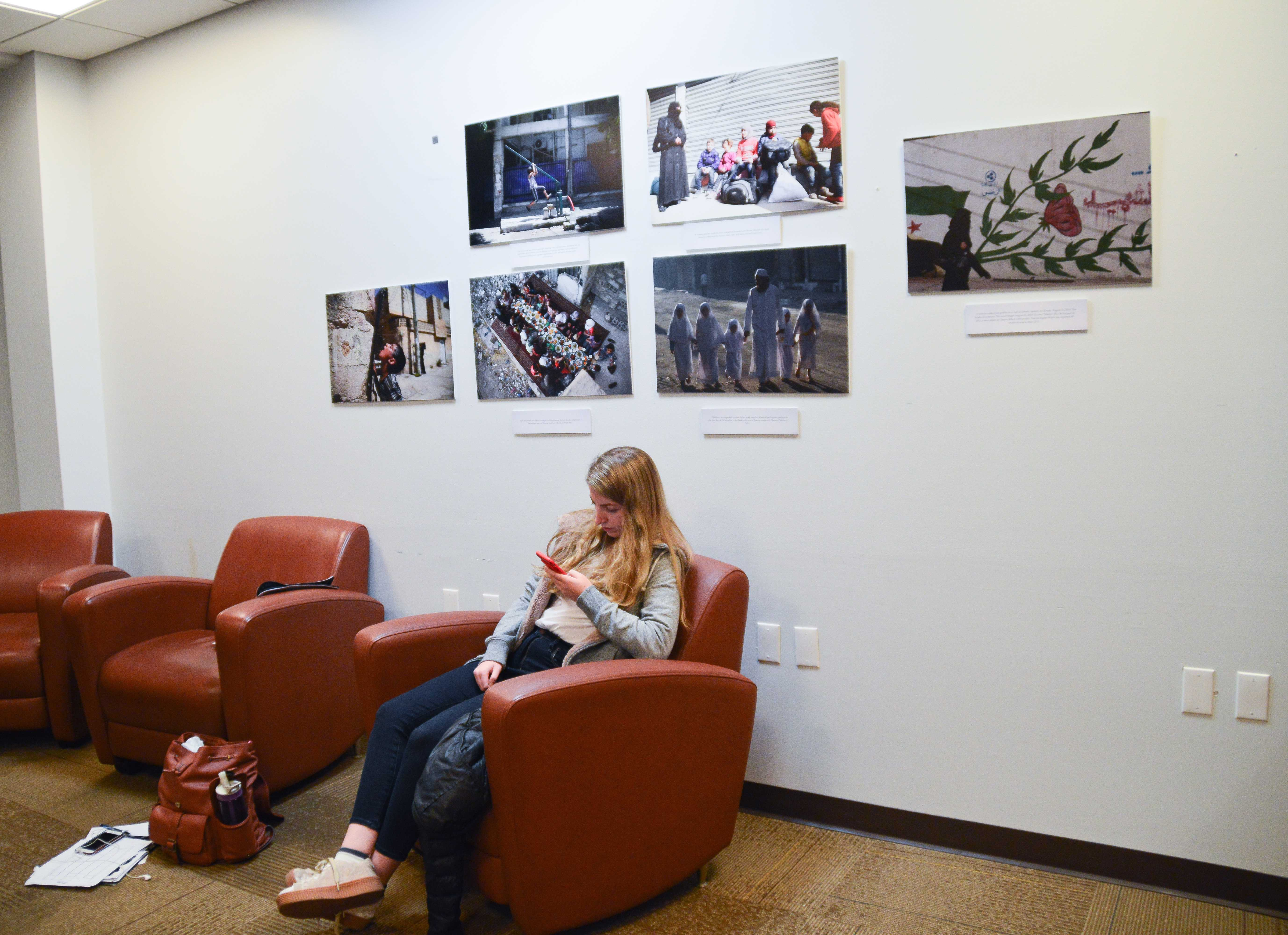 A photo gallery depicting the Syrian war is on display in the Iwasaki Library Nov. 16 until Dec. 7.  Tivara Tanudjaja / Beacon Correspondent