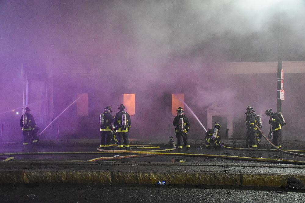 Residents+return+to+Orient+Heights+after+toxic+9-alarm+fire