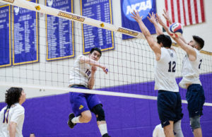 Men's volleyball holds 1-5 record in conference play following doubleheader