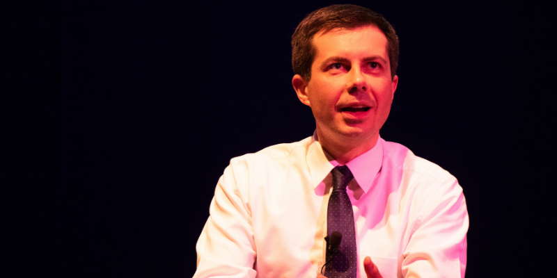 Potential Democratic presidential candidate Pete Buttigieg spoke to approximately 1,000 college students and Massachusetts locals at Northeastern University on April 3. Thomas Bloxham / Beacon Staff
