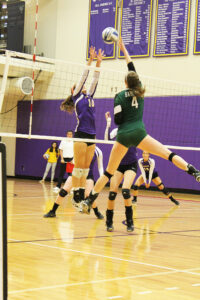 Women's volleyball win's five-set thriller
