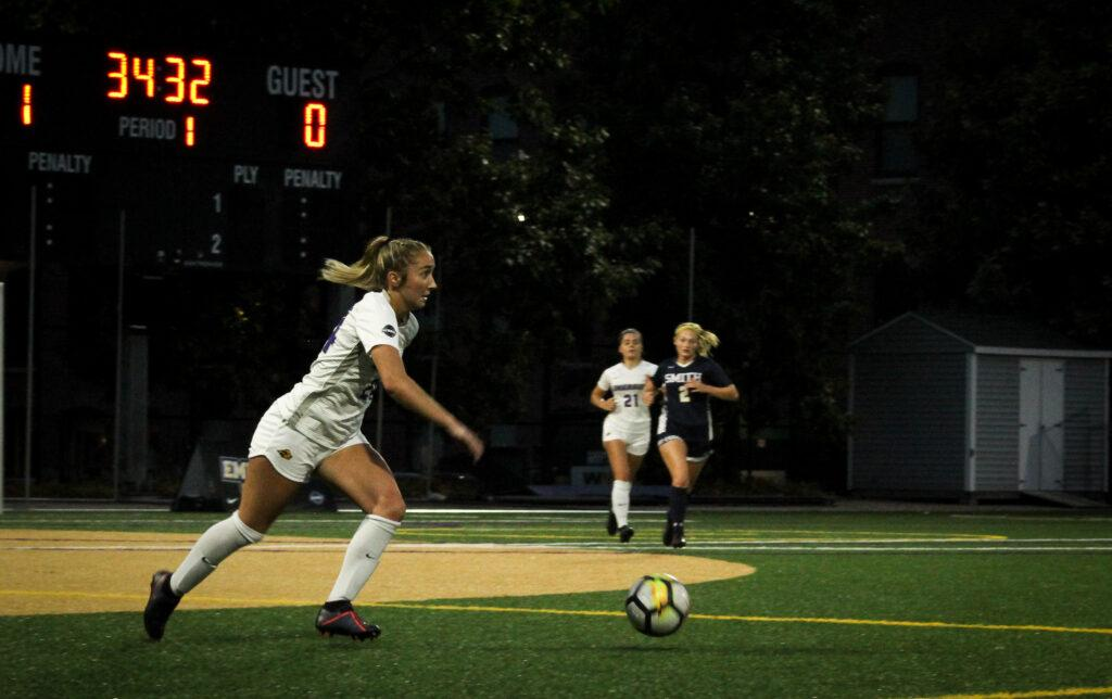 Freshman midfield Ainslee MacQuarrie tallied one assist in the Lions win against Smith College. Rachel Culver / Beacon Staff