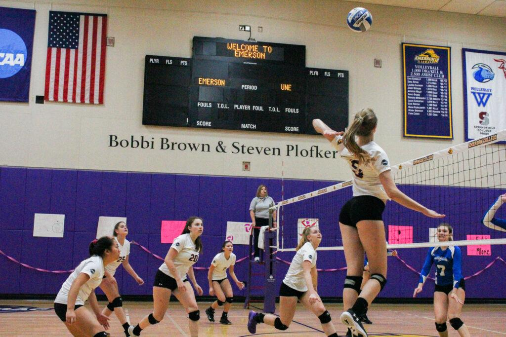 The women's volleyball team clinched the sixth the seed in the NEWMAC playoffs. Rachel Lo / Beacon Staff
