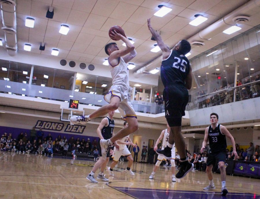 Lions fall to nationally ranked Amherst