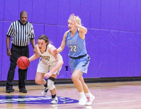 Tufts entered the matchup as the No. 2 ranked team in Division III women's basketball.