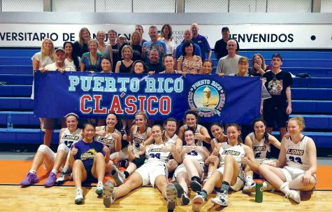 The women's team went 1-1 in its two matches in Puerto Rico over winter vacation.