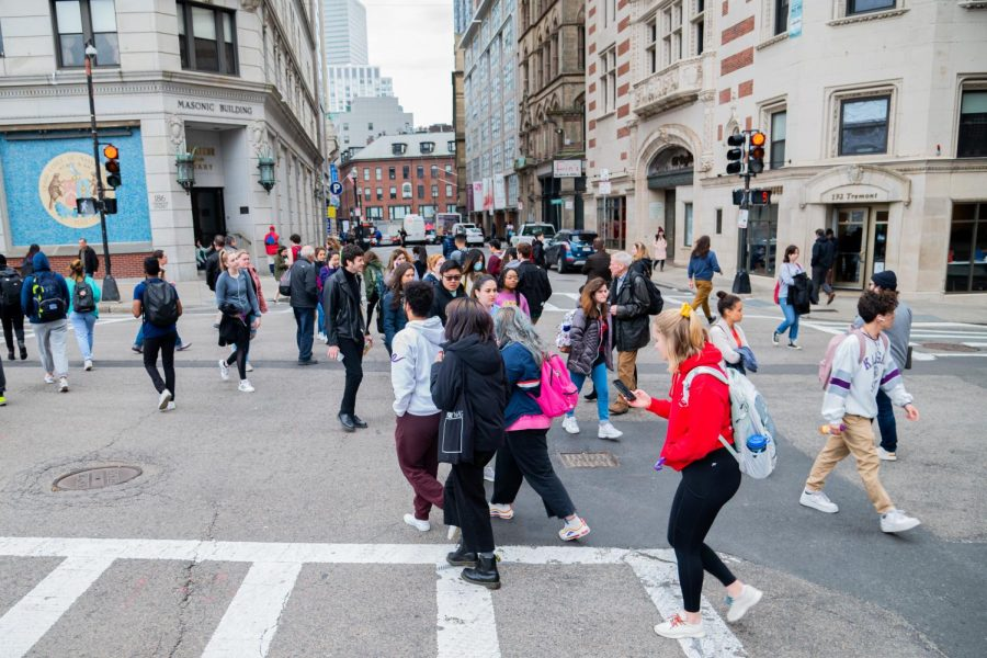 Students+crossing+the+bustling+Boylston%2FTremont+intersection.+