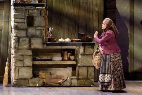 Carol Beaugard '78 performs as Yente, for Fiddler on the Roof.