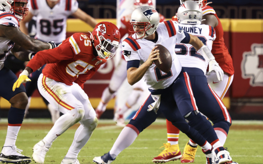 Atrocious quarterback play costs Patriots winnable game against Chiefs