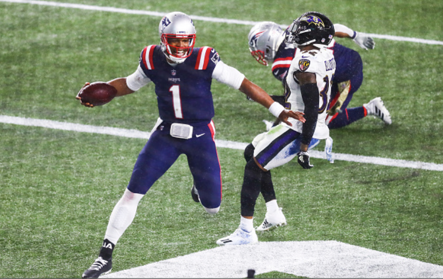 Underdog Patriots upset Ravens at home