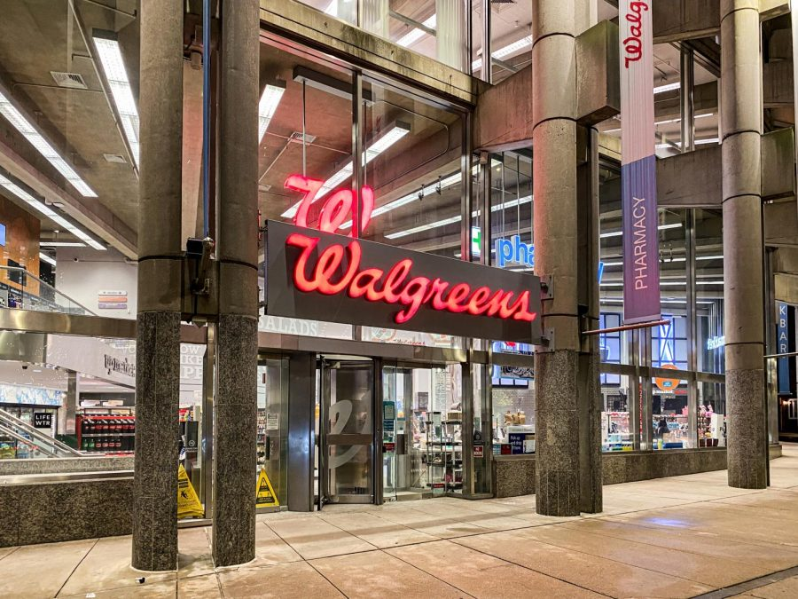 The main entrance of the Walgreens in downtown Boston.