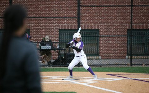 Senior Lindsey Lowe scored a run in game on of Saturdays doubleheader.