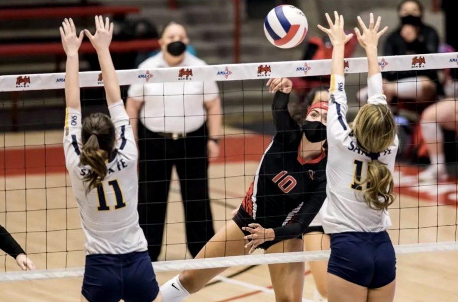 Brooke Maynez scoring a kill.
